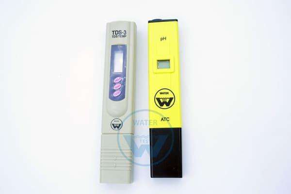 Комплект из двух приборов «Набор Специалиста» для проверки воды (рН метр + tds метр)